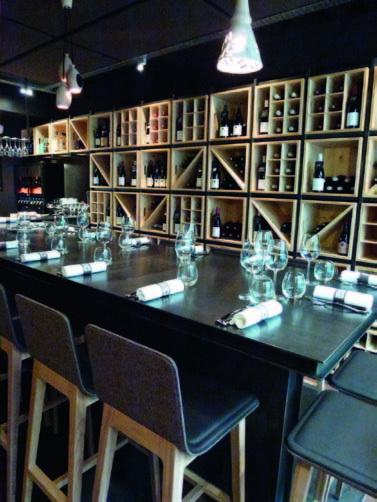 Le bar à vin contemporain et ses tables d\'hôtes - Le Chef