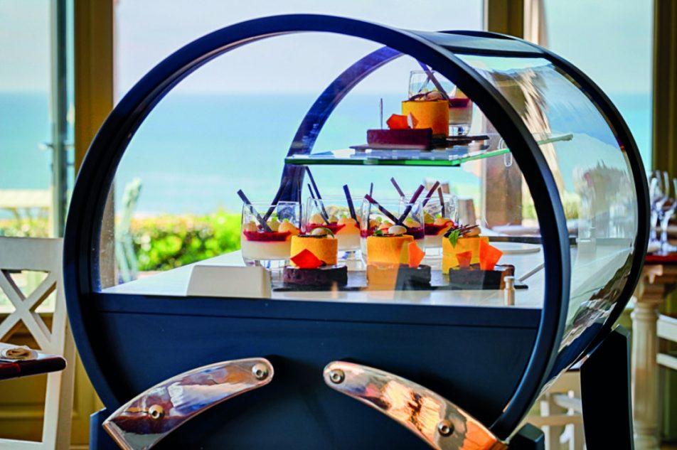 Chariot à desserts Sweet Kit à l'Hôtel Le Grand Large Belle-île-en-mer © Patrick Sarran