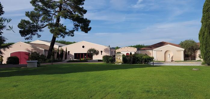 Photos © Domaine Château de Chantegrive